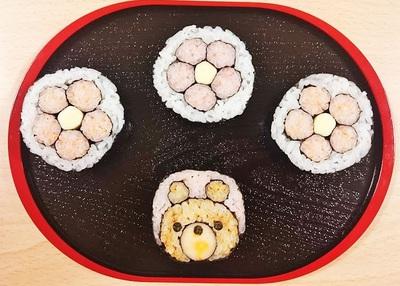 飾り巻き寿司教室(少し小さめなくまさんと花)