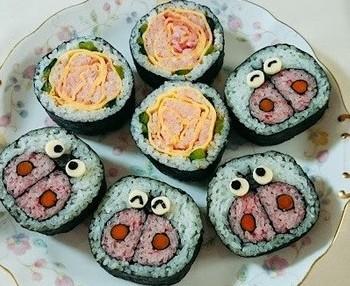 飾り巻き寿司(てんとう虫とバラ)